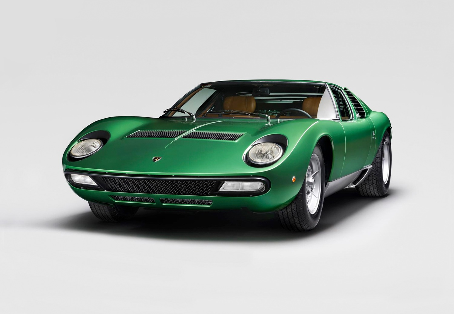 Lamborghini restaureert allereerste Miura SV