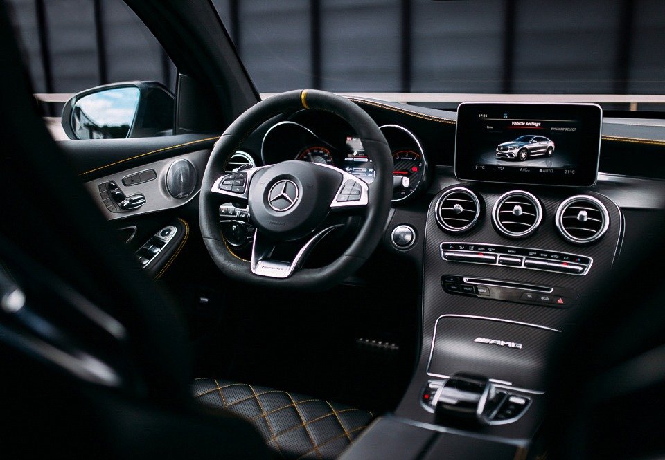 Mercedes-AMG GLC 63 S Coupé interior