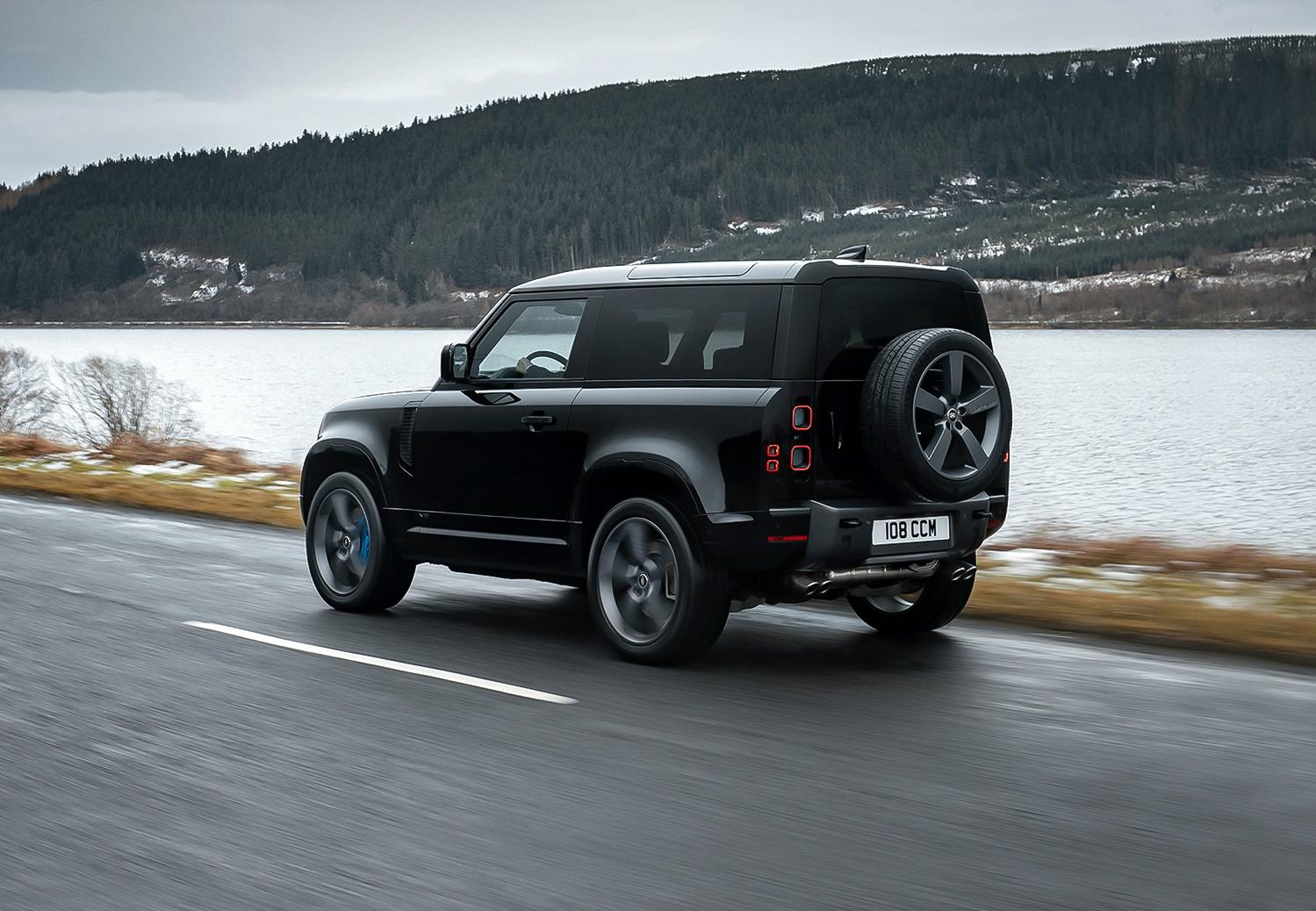 Land Rover Defender krijgt 525 pk sterke V8-benzinemotor